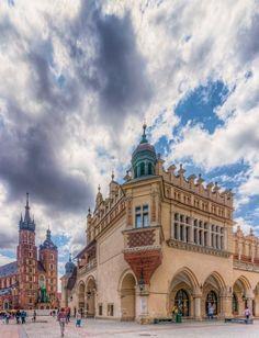 Kraków Old Town is the historic central district of Kraków, Polandhttps://www.flickr.com/photos/axemann/5922800595/in/set-72157627038221969
