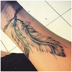 Cute Tattoos For Women, Wrist Tattoos For Guys, Small Wrist Tattoos, Tattoo Designs For Women, Trendy Tattoos, Cool Tattoos, Tribal Feather Tattoos, Feather Tattoo Wrist, Feather Tattoo Design