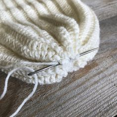 Virkad ribb mössa Crochet Clothes, Crochet Hats, Hama Mini, Drops Design, Crochet Pattern, Ravelry, Diy And Crafts, Winter Hats, Knitting