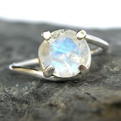 Rainbow Moonstone Engagement Ring in Sterling Silver, Rainbow Moonstone Silver Ring, Moonstone Jewelry, Sparkle Gemstone
