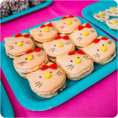 Cupcake Crazy Gem!: A Hello Kitty 1st Birthday & Hello Kitty Macarons!