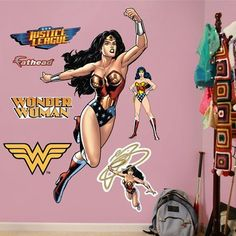 FATHEAD Wonder Woman in Action Graphic Wall Décor