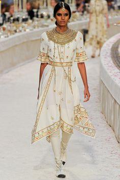 Chanel Pre-Fall 2012 Fashion Show - Lakhsmi Menon (NATHALIE)