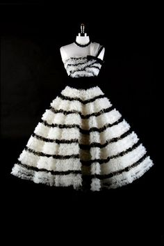 One day when I plan a trip to France, I will buy a vintage tulle masterpiece like this and walk around like im the most amazing woman who ever lived.