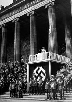 Adolf Hitler speaking at German Folk German Army, German Folk, German Architecture, Propaganda Art, Famous Pictures, Man Of War, The Third Reich, European History, World War Two