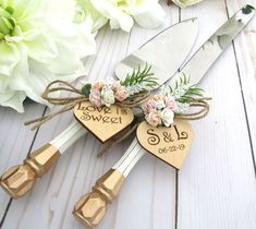 Wedding Cake Server Knife SetWhite and Gold Handle Match Painted Wedding Cake, Wedding Cake Rustic, White Wedding Cakes, Elephant Cake Toppers, Bird Cake Toppers, Wedding Cake Server, Cake Wedding, Cake Banner, Wedding Shower Gifts