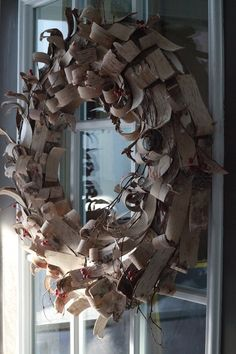 Wow, what a beautiful wreath...from Living With Kids: Andrea Gorda (Design Mom)