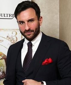 Saif: He just LOOKS rich, and smart, and worldly, and like a helicopter is waiting to take him to next meal at a five star restaurant, where he will find the food and ambiance only just adequate. Mens Suit Brands, Mens Suits, Bollywood Stars, Bollywood Fashion, Best Suits For Men, Formal Coat, Saif Ali Khan, How To Look Rich, Indian Man