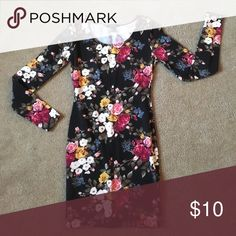 Floral Print Body Con Dress Great condition body con dress. Comes from a smoke free home. Forever 21 Dresses Long Sleeve