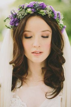 46 Romantic Wedding Hairstyles with Flower Crown + DIY Tutorials - Belleza Bridal Makeup Looks, Wedding Hair And Makeup, Bridal Beauty, Hair Makeup, Eye Makeup, Bride Makeup, Hair Wedding, Romantic Wedding Hair, Purple Wedding