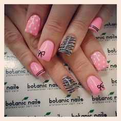 Black & PINK Patterns Mani...