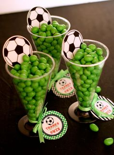 Sport football/soccer party favours - fill with sweets of your team colours! Soccer Party Favors, Soccer Birthday Parties, Sports Theme Birthday, Football Birthday, Soccer Treats, Soccer Gifts, Soccer Centerpieces, Soccer Banquet, Sports Party