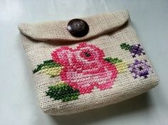 Create your own lovely vintage-inspired cross-stitch purse with this tutorial and cross-stitch pattern template! Cross Stitching, Cross Stitch Embroidery, Embroidery Patterns, Cross Stitch Patterns, Embroidery Purse, Cross Stitch Pillow, Cross Stitch Finishing, Crochet Cross, Modern Cross Stitch
