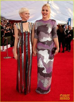 Michelle Williams & Busy Philipps Give Us Serious BFF Goals at SAG Awards!