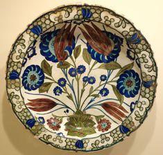 Category:İznik ceramics in the Cincinnati Art Museum - Wikimedia Commons Glazes For Pottery, Ceramic Pottery, Pottery Art, Turkish Art, Turkish Tiles, Ceramic Painting, Ceramic Artists, Islamic Tiles, Ottoman