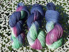 Gefärbte Opal Socken-Wolle von Wolltörtchen