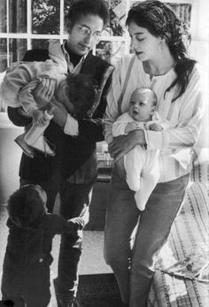 Bob Dylan with his wife Sara and their childre