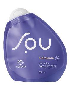 **Hidratante Pele Seca SOU - 200ml** SOU hidratação nutritiva 24 horas, feita para a pele seca. SOU textura cremosa com alto poder de hidratação que protege contra o ressecamento e fortalece a barreira da pele, deixando-a macia e perfumada. SOU deliciosa fragrância. SOU sem desperdício. SOU para todos nós.