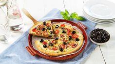 Oppskrift på Vegetarpizza med tomat og oliven