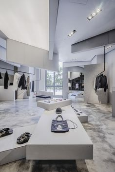 Christian Dada opens a boutique in Taipei. Window Display Retail, Retail Shelving, Window Display Design, Retail Displays, Shop Displays, Window Displays, Shoe Store Design, Retail Store Design, Retail Shop