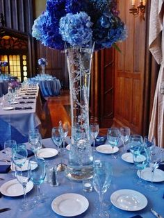 Shades of blue wedding, Kohl Mansion- joce, why chose 1 shade? Lets do all blue!