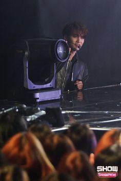 #SEVENTEEN #세븐틴 on Show Champion #Thanks #고맙다 #Mingyu
