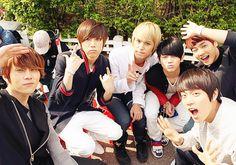 so beast!! my favorite k-pop boy group :)