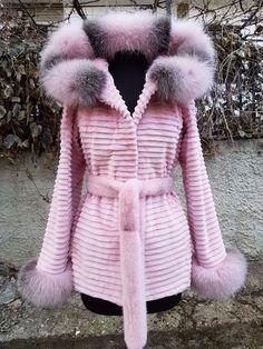 Новая стриженая норковая куртка Nafa Mink. Размер 42. Цена 80 000 рублей. Длина изделия: 79 см, грудь: 94 cм, рукава 65 см ❤
