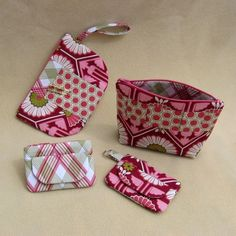 Love the idea of organizing with zippered pouches.  I think I might get this pattern so I can make my own
