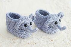 Selbstgestrickte hellblaue Babyschuhe mit Elefanten, passend für Mädchen und Jüngen, süßes Babygeschenk