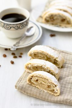 Prhke štrudlice s orasima / Walnut rolls. This is a slightly different recipe than I make for Croatian Walnut Roll and I can't wait to make it!