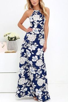 Look at this maxi dress, it is style with random floral print, sleeveless and hidden zip back. Finish your beautiful look with high heels. - Sexy style - Sleeveless design - Random floral print pattern - Hidden zip back - Medium fit - Hand wash - Main: 100% Polyester - Package Content: 1 * Dresses