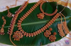 Are you looking for bridal jewellery on rent online? Get south Indian bridal jewellery sets for rent at TBG Bridal Store and look like a queen on your wedding day. South Indian Bridal Jewellery, Ruby Necklace, Bridal Stores, Queen, On Your Wedding Day, Stone Jewelry, Jewelry Necklaces, Beauty, Beleza