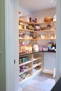 Pantry idea: Bottom half with counter-top deep shelves, spot for the rolling pastry cart, top part in shelving, but with nice 'distressed' corbels as shelf supports. Kitchen Larder, Larder Cupboard, Barn Kitchen, Kitchen Pantry Design, Kitchen Redo, Kitchen Remodel, Larder Storage, Kitchen Country, Pantry Room