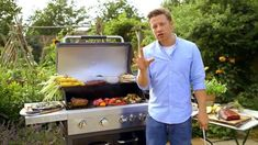 Jamie Oliver on preventing burnt BBQ food Grilling Tips, Outdoor Grilling, Gas And Charcoal Bbq, Bravo Top Chef, Bbq Shop, Chef Shows, Burnt Food, Bbq Menu, Bbq Rub