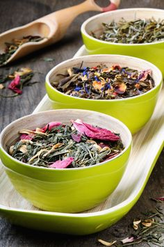 Tea is always a good idea! #brazilianslimmingtea #braziliantea #getfit #getlean #fitnessmotivation #teatime #detoxtea #tealife #oolongtea #greentea #flowers #eatgreen