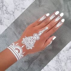 19 Stunning White Henna Designs For You: