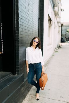 6 Fall outfit ideas, fall outfit ideas, winter outfit ideas, dressing warm, classic outfit, best high-waisted jeans | Kait Bos