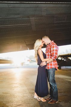 46 Ideas travel pictures airport engagement session for 2019 Engagement Couple, Engagement Pictures, Engagement Shoots, Couple Photography, Engagement Photography, Wedding Photography, Photography Ideas, Baby Reveal Photos, Aviation Wedding Theme