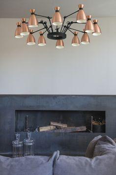 Lámpara de techo de 12 luminarias para interior y de diseño modelo Retro con bombillas LED en color cobre.