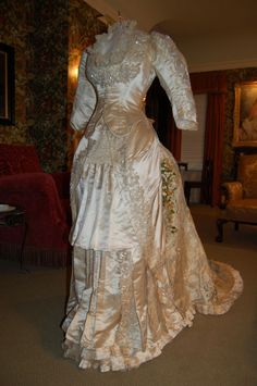 This Vintage Victorian Edwardian wedding dress is to die for! Bids start at $2200