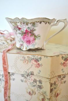 Pretty cups, vintage boxes make amazing statement for accessories to give just the right touch to a vintage tea party! Vintage Dishes, Vintage China, Vintage Teacups, Vintage Box, Shabby Chic, China Tea Cups, Teapots And Cups, My Cup Of Tea, Rose Cottage