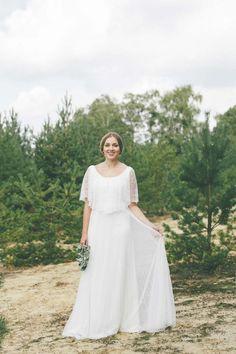 Schlichte Schönheit im Boho-Chic: Die Light & Lace Brautmoden-Kollektion 2016 Lene Photography http://www.hochzeitswahn.de/inspirationsideen/schlichte-schoenheit-im-boho-chic-die-light-lace-brautmoden-kollektion-2016/ #weddingdress #wedding #fashion