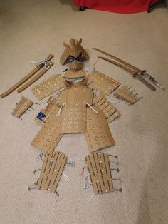 I made this like, two years ago, and never got around to posting it. Armor is made entirely of cardboard and plastic bags. The Cardboard Samurai--Armor Cardboard Costume, Cardboard Crafts, Cardboard Sword, Instruções Origami, Paper Crafts Origami, Cosplay Tutorial, Cosplay Diy, Samurai Armor Diy, Armadura Cosplay