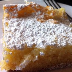 Old Fashion St. Louis Gooey Butter Cake - The cake was first made by accident in the by a St. Louis-area German American baker who was trying to make regular cake batter but reversed the proportions of sugar and flour, hence the Gooey Butter Cake was born Brownie Desserts, Just Desserts, Delicious Desserts, Yummy Food, Ooey Gooey Butter Cake, Gooey Cake, Butter Cakes, Gooey Butter Cake St Louis Recipe, Gooy Butter Cake