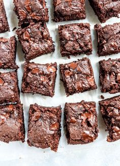 Gluten-Free Vegan Brownies These rich and fudgy brownies are naturally gluten-free, nut-free, and vegan, and I love that they pack a sneaky serving of pumpkin in each bite. Fudgy Vegan Brownies, Vegan Gluten Free Brownies, Healthy Brownies, Egg Free Desserts, Gluten Free Sweets, Healthy Sweets, Healthy Dessert Recipes, Vegan Recipes, Brownie Recipes