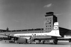 #flashbackfriday: Dear @condorairline - #MUC congratulates you on your 60th #anniversary! /AM Munich-Riem Airport Douglas DC-7C from Südflug on the apron in 1967 #flughafenriem #FlughafenMünchen #munichairport #avgeek #douglas #tower #1967 #60s  #dc7 #blackandwhite by munich_airport