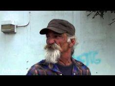 Bigode de um sem abrigo   Veja mais em: http://www.jacaesta.com/bigode-de-um-sem-abrigo/