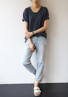 Minimal + Chic | @CO DE + / F_ORM | boyfriend jeans (?), loose tee (cuffed sleeves, dropped shoulders, u-neck), white birkestocks; navy + light blue + white