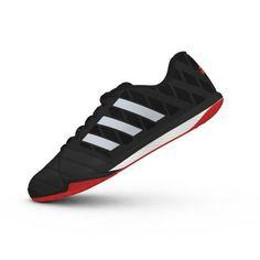 De @adidas Freefootball Topsala M19976 #zaalvoetbalschoenen hebben een uitstekende grip op een indoor ondergrond. De comfortabele schoenen leveren een perfecte balcontrole. #dws